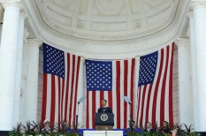 U.S. President Barack Obama speaks on Memorial Day at Arlington Cemetery in Arlington