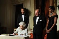 US President Barack Obama (L), First Lad