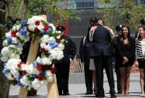 US President Barack Obama greets 14-year