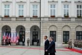 US President Barack Obama (L) and Polish