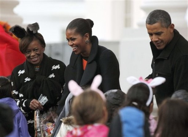 - halloween-trick-or-treaters-at-the-white-house24