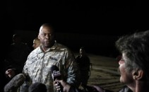 U.S. Army General Lloyd Austin, Commander of U.S. forces in Iraq speaks with journalist Geraldo following a casing of the colors ceremony at Camp Adder near Nasiriyah