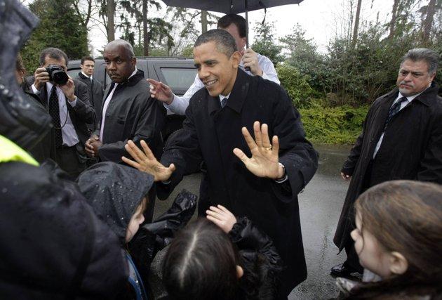 President Obama Greets School Children From Medina