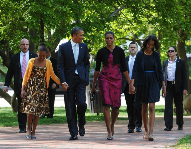 US President Barack Obama (2nd L) and Fi