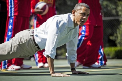 US President Barack Obama does pushups d