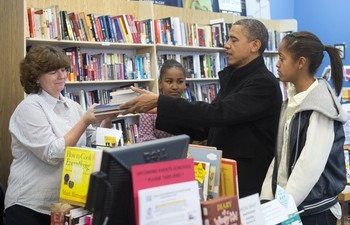 Book shopping1