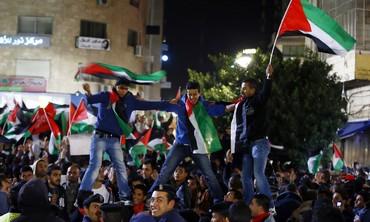Palestinians celebrate15