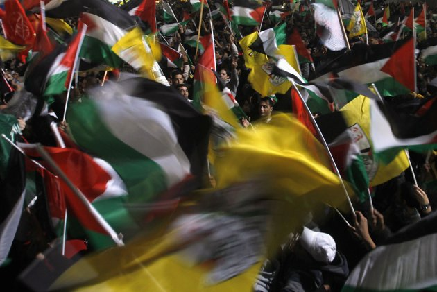 Palestinians celebrate18