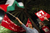 Palestinians celebrate21