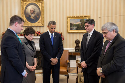 President Obama leads white house staff in a moment of silence for the Newtown victims