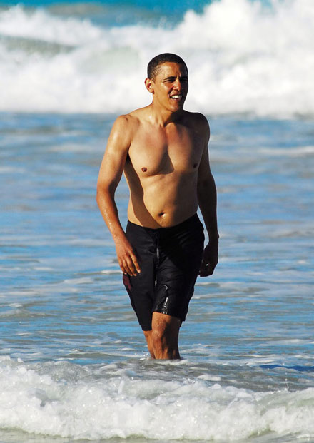 barack-obama-on-beach-in-hawaii-3