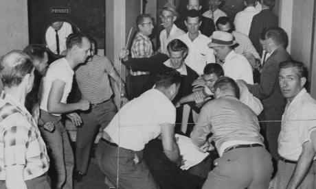 Freedom Riders- Mob attacked freedom riders