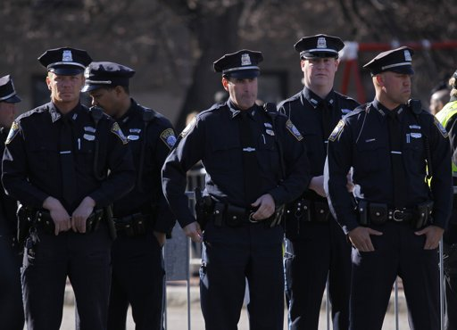 Polcie-2013-04-18T140200Z_1775708467_GM1E94I1P5I01_RTRMADP_3_USA-EXPLOSIONS-BOSTON