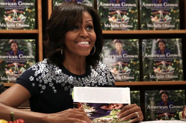 Michelle Obama book signing17