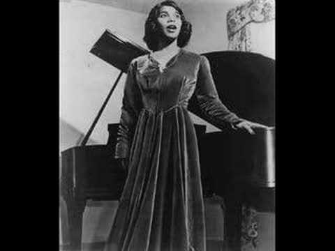 marian anderson Marian anderson facts: marian anderson (1902-1993) is remembered as one of the best american contraltos of all time she was the first african american singer to.