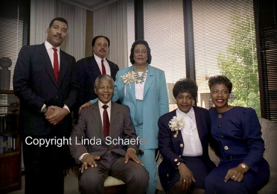 Nelson Mandela meets with the family of Rev. Dr. Martin Luther King, Jr.