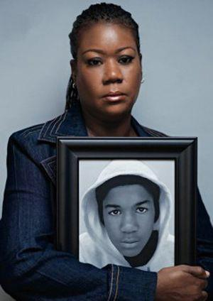 Sybrina fulton with Trayvon photo