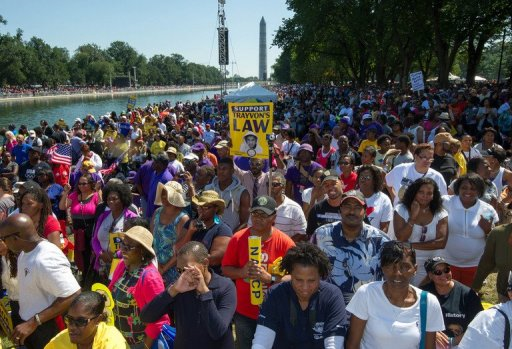 MOW- Thousands of people line the reflecting pool on August 24, 2013, in Washington, DC (AFP, Paul J. Richards)
