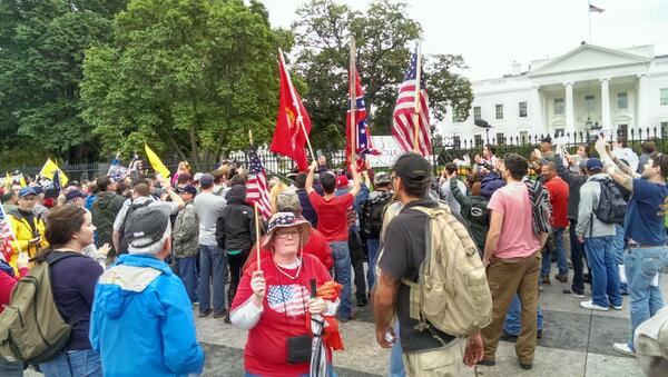 Confederate flag at the white house