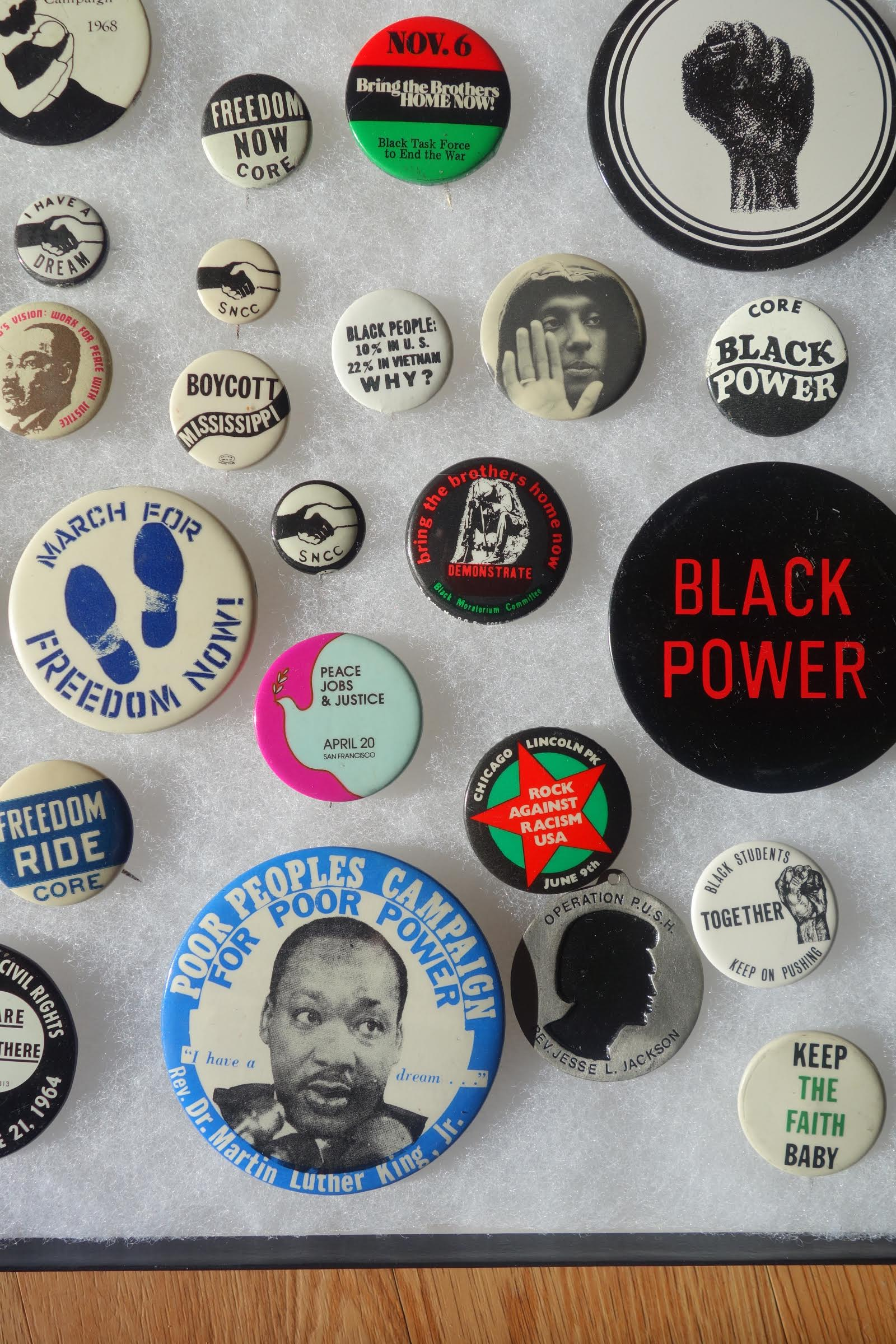1960s BUTTONS-2
