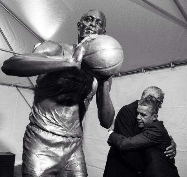 bill russell statue and potus