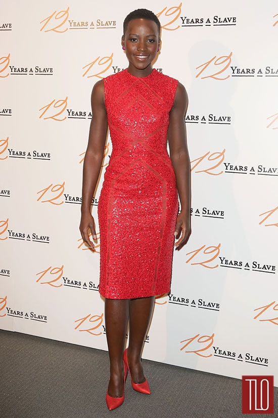 Lupita-Nyongo-12-Years-Slave-Paris-Premiere-Elie-Saab-Tom-Lorenzo-Site-3