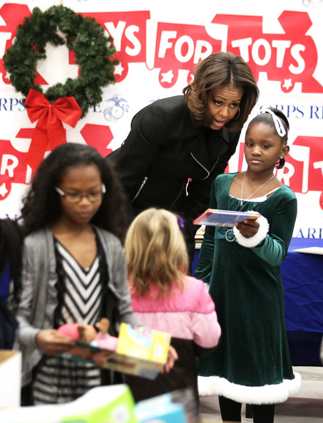TOYS-Michelle+Obama+Michelle+Obama+Helps+Toys+Tots+KxTIsnGMPrKl