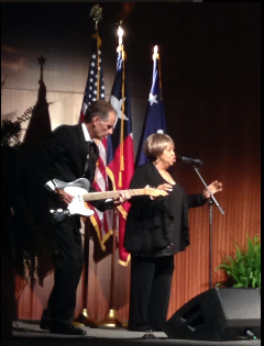 Mavis Staples singing We Shall Overcome