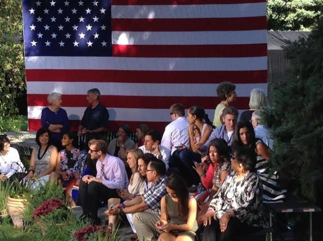 20140709__obama-waiting-cheesman-park~p1