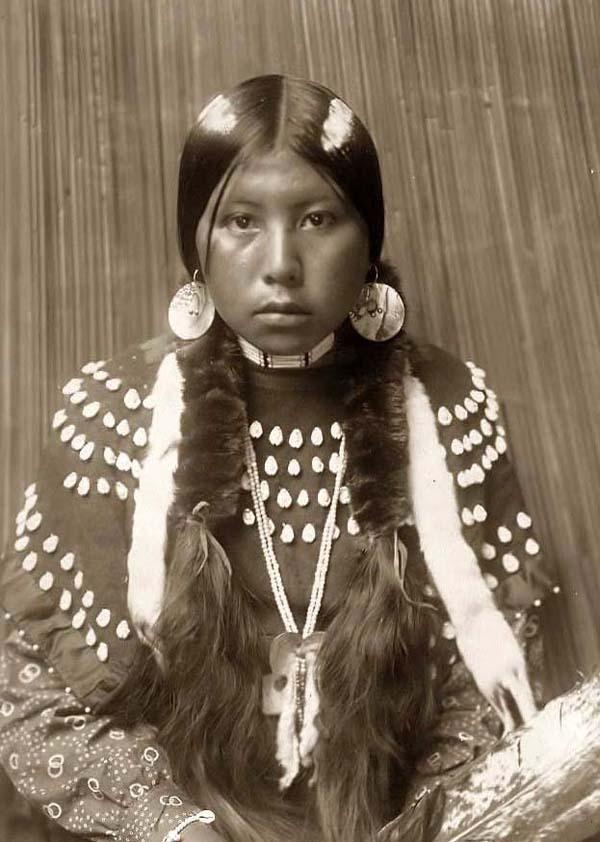 Kalispel-Indian-Girl25