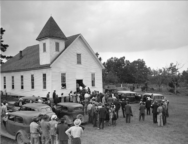 1946-funeral of George Dorsey and Dorothy Malcolm, two of the four African American victims of a mob lynching, near Monroe, Ga., in 1946. (AP)