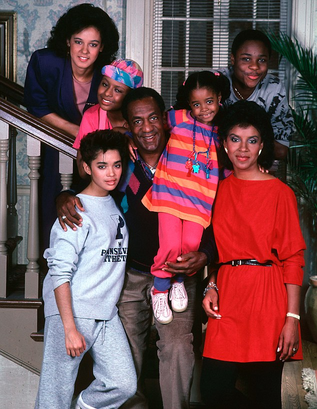 """THE COSBY SHOW"" KESHIA KNIGHT PULLIAM, BILL COSBY, LISA BONET, TEMPESTT BLEDSOE, SABRINA LE BEAUF, MALCOLM-JAMAL WARNER, PHYLICIA RASHAD, 1987. PICTURE: AL LEVINE/MPTV/LFI REF 10894_0075 *RESTRICTED* NO USA"