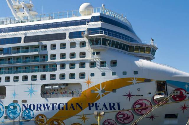 Mythe on cruise