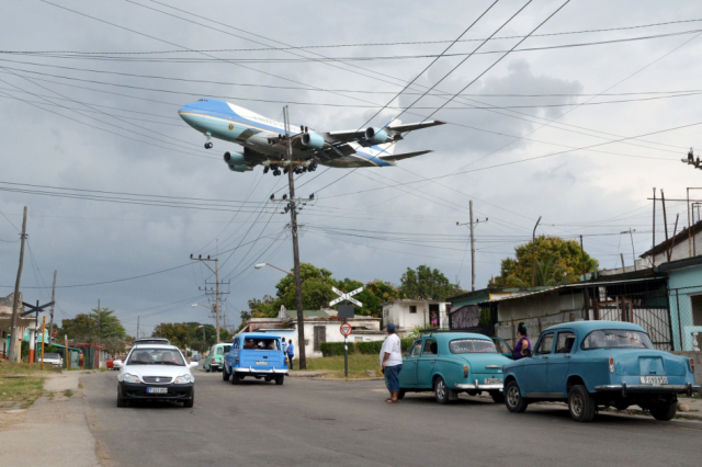 Air Force One carrying U.S. President Barack Obama and his family flies over a neighborhood of Havana.