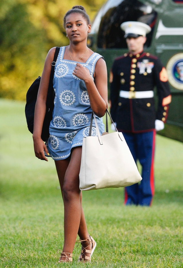 -Washington, District of Columbia - 8/23/15-United States President Barack Obama (L), daughters Sasha (2nd L), Malia (R) and wife Michelle arrive at the White House in Washington, D.C on August 23, 2015 upon their return from vacationing at Martha's Vineyard.  -PICTURED: Malia Obama -PHOTO by: Olivier Douliery / Pool/startraksphoto.com -RON_1066749 Editorial - Rights Managed Image - Please contact www.startraksphoto.com for licensing fee Startraks Photo New York, NY For licensing please call 212-414-9464 or email sales@startraksphoto.com Image may not be published in any way that is or might be deemed defamatory, libelous, pornographic, or obscene. Please consult our sales department for any clarification or question you may have. Startraks Photo reserves the right to pursue unauthorized users of this image. If you violate our intellectual property you may be liable for actual damages, loss of income, and profits you derive from the use of this image, and where appropriate, the cost of collection and/or statutory damages.