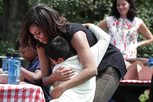 Michelle+Obama+Michelle+Obama+Students+Harvest+tMjxA7hsIWzl