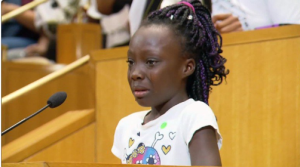 girl-weeps-over-police-shootings-at-charlotte-meeting