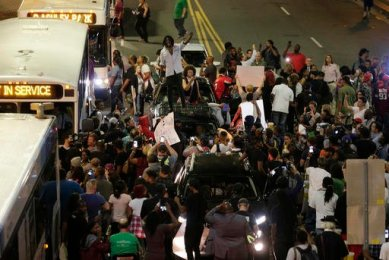 protests-erupts-in-charlotte-3