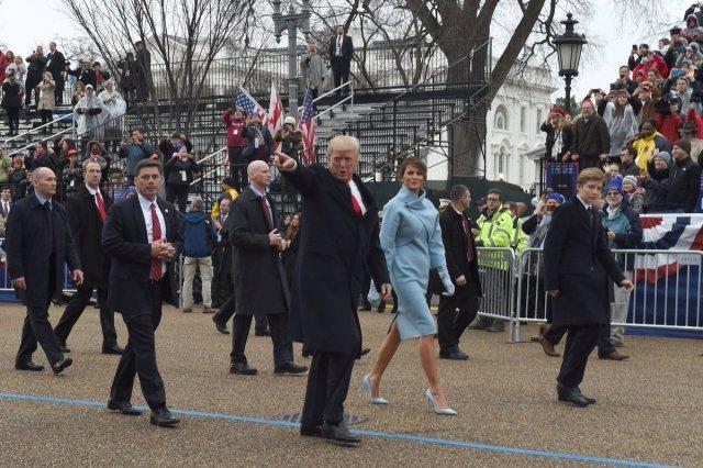 2009-vs-2017-inaugural-parade