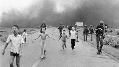 "Pulitzer Prize winning photojournalist Nick Ut, best known for his 1972 Vietnam War photograph known as ""Napalm Girl"" Phan Thị Kim Phúc OOnt, referenced informally as the Napalm girl, is a Vietnamese-Canadian best known as the nine-year-old child depicted in the Pulitzer Prize-winning photograph taken during the Vietnam War on June 8, 1972."