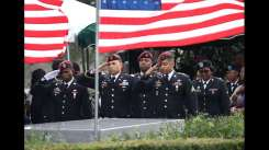 Members of the 3rd Special Forces Group (Airborne) 2nd battalion Fse salute the casket of U.S. Army Sgt. La David Johnson at his burial service in the Memorial Gardens East cemetery on October 21, 2017 in Hollywood, Florida. Sgt. Johnson and three other American soldiers were killed in an ambush in Niger on Oct. 4. (Photo by Joe Raedle/Getty Images)